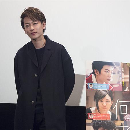大ヒット公開中『何者』の舞台挨拶に佐藤健が登場!ファンからの質問に答えまくる!