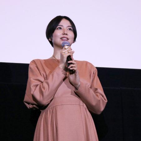 1/20(土)公開『嘘を愛する女』主演の長澤まさみが舞台挨拶に登壇