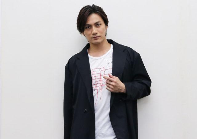 「共感できないから演じられる」舞台『暗くなるまで待って』加藤和樹インタビュー